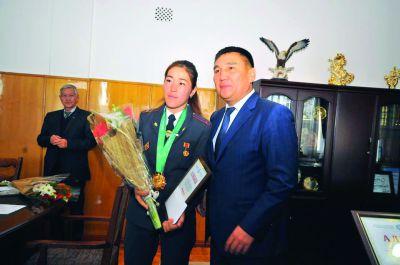 Дүйнө жана Азия оюндарынын чемпиону, улакчы кыз Нурзат Бактияр кызы