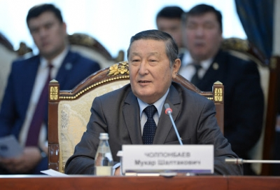 Жогорку Кеӊештин мурдагы төрагасы Мукар Чолпонбаев  СOVID-19 илдети менен ооруканага түштү. Абалы оор