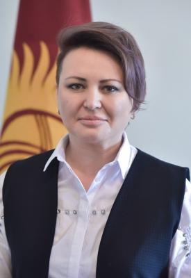 """Татьяна Кузнецова, вице-мэр: """"Гипермаркеттин 1 кызматкери 48 адам менен байланышкан. Шаардыктарды көп адам чогулган жерге барбоого чакырам"""""""
