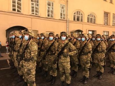 Москва шаарында Улуу жеңиштин 75 жылдыгына арналган аскер парады болуп өттү