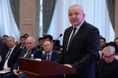 Э.Осмонбетов: Бишкек ЖЭБине 700 миң тонна көмүр алууга келишим түздү