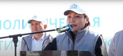 Аида Касымалиева: Кечээ эле бийликте жүргѳндѳрдүн  бүгүн бийликти сындагандары туура эмес!