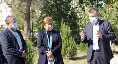 Губернатор Мирзахмедов вирус көп катталган аймактарга барды