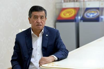 Жээнбеков премьер-министрдин кызмат ордунун легитимдүүлүгүнө байланыштуу кайрылуу жасады