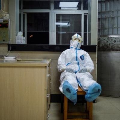 Коронавирус инфекциясынан каза болгон медицина кызматкеринин үй-бүлөсүнө компенсация төлөндү