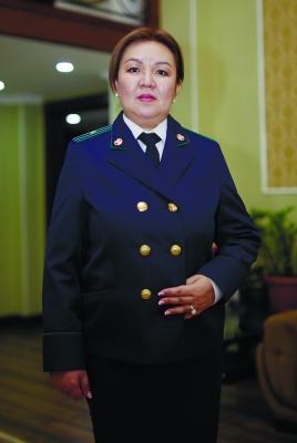 """Рита КЕРЕЗБЕКОВА, 1-Май районунун прокуратурасынын кызматкери:  """"Ата-энелик укуктан ажыратуу - оор процесс"""""""