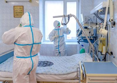 Бир сутка ичинде өлкө боюнча 1 медицина кызматкери коронавирус жуктуруп алды