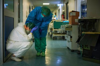 Бир сутка ичинде өлкө боюнча 5 медицина кызматкери коронавирус жуктуруп алды