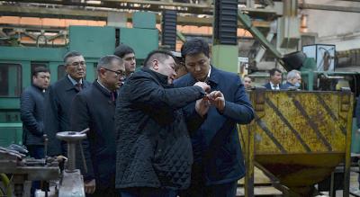 Марипов «Бишкек штамптоо заводу» ишканасынын ишмердүүлүгү менен таанышты
