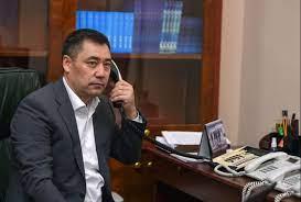 Кыргызстан менен Тажикистандын президенттери  телефон аркылуу Баткендеги кырдаалды талкуулашты